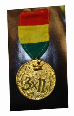 "Medaille  "" 3 x 11 """