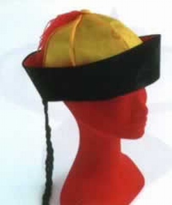 Chinese baret met vlecht