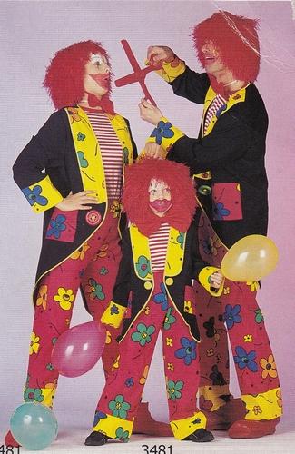 "Clownspak  "" August """