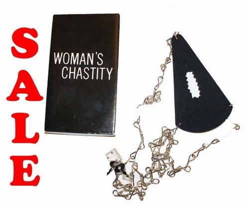 """Doosje  """" Woman's chastity """""""