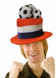 Hoge hoed met voetballen