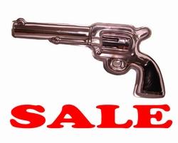 Wanddecoratie revolver