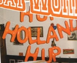 "Opblaasletters   ""  Hup holland hup """